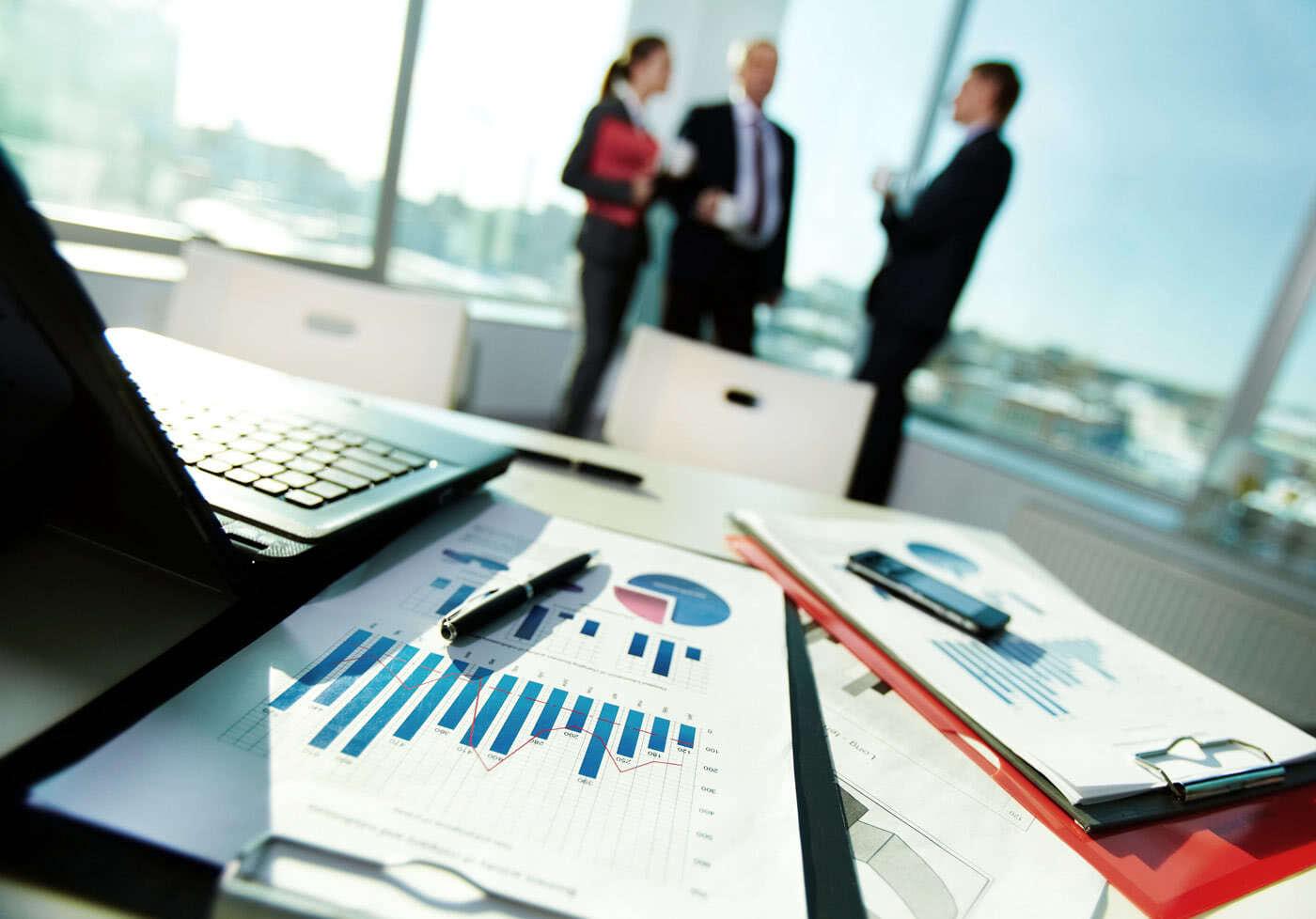 Economía y Finanzas <br> Los mejores profesionales en UDE