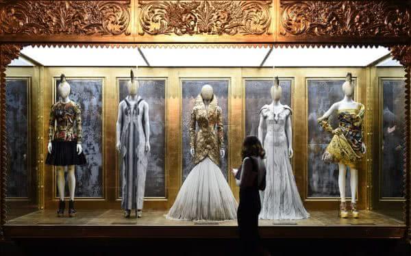 Del arte a la moda: ¿Es la moda el nuevo locus estético? 25
