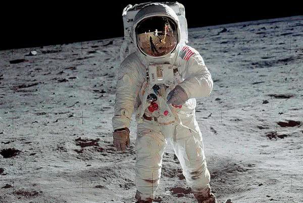 1969 – 2019: 50 Años del Hombre en la Luna 11