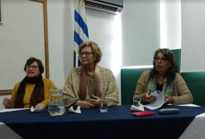 Mesa redonda en UDE: la educación en el centro académico