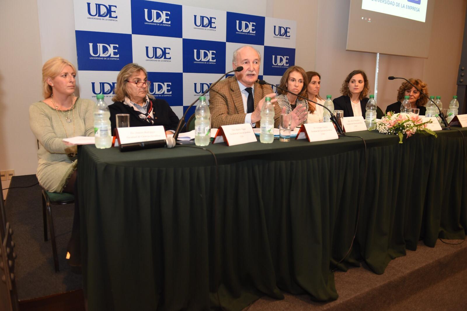 Exitosa conferencia en UDE Colonia <br> Aspectos Legales, Contables y Tributarios del Sector Agropecuario