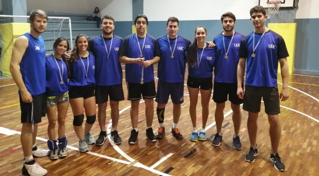 equipo voleibol mixto de ude