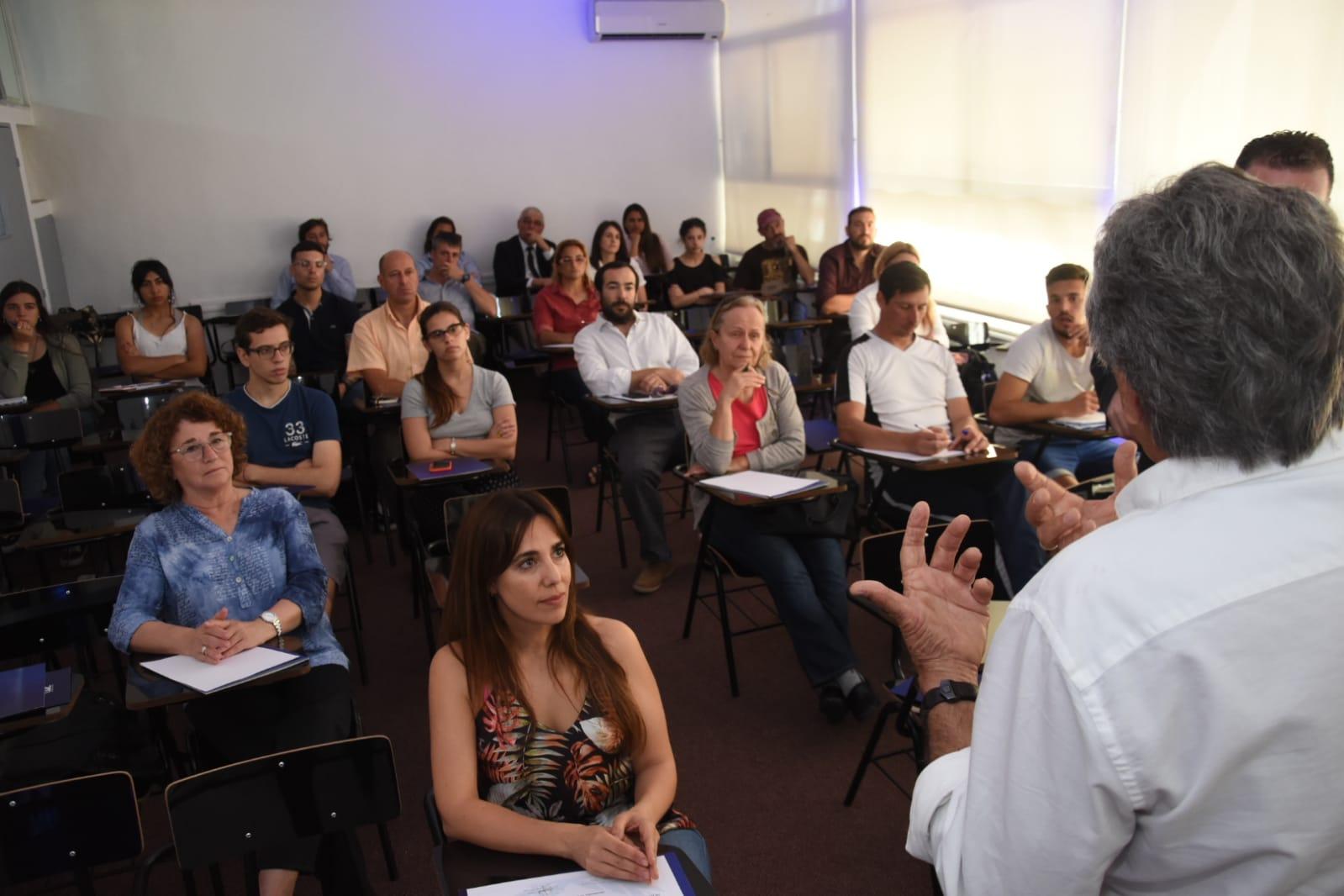 Un seminario con cuerpo y alma <br>en UDE Pocitos