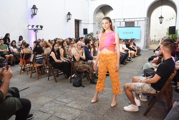 """La moda uruguaya hizo """"Catarsis"""" <br> Diseño de Indumentaria en UDE 5"""