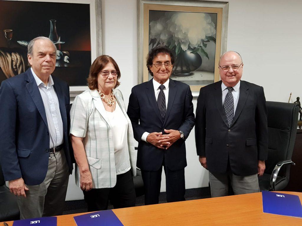 Autoridades Casa de Galicia y UDE
